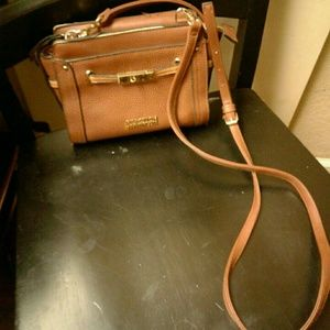 Reaction Kenneth Cole Tan Crossbody (used)